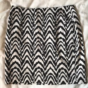 Banana Republic black and white zigzag skirt